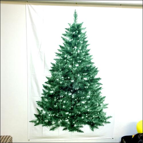 おなつやさんクリスマスツリータペストリー